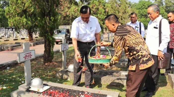 SOSOK Luhut Binsar Pandjaitan Disebut Golden Boy Benny Moerdani: Bersama Prabowo Lahirkan Sat- 81
