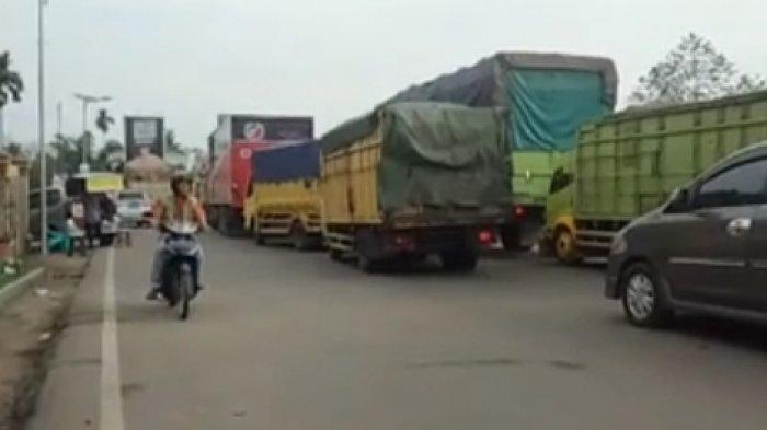 Truk Batu Bara Terbalik di Lingkar Barat Sudah Dievakuasi, Kemacetan Masih Terjadi, Ini Penyebabnya