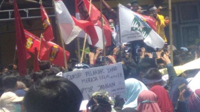 Mahasiswa di Kerinci dan Sungaipenuh Unjuk Rasa Tolak RUU KUHP & RUU KPK, Ada Juga Poster Nyeleneh