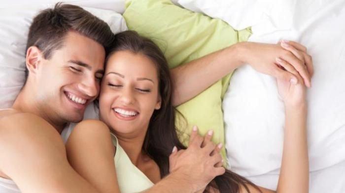 Pakar Sebut Peluk Istri dari Belakang Saat Tidur Berikan Sensasi beda, ini Penjelasan Ilmiahnya!