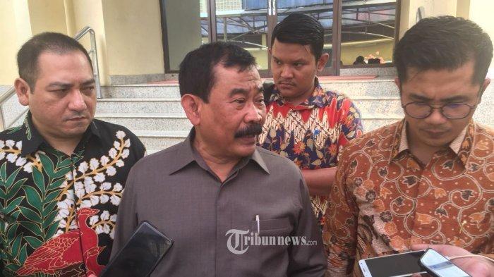 Mantan Danjen Kopassus Mayor Jenderal (Purn) Soenarko, memberi keterangan kepada wartawan terkais kasus dugaan intervensi hukum yang dilakukan jenderal bintang tiga di korp Bhayangkara, Selasa (23/7/2018) di Jakarta.