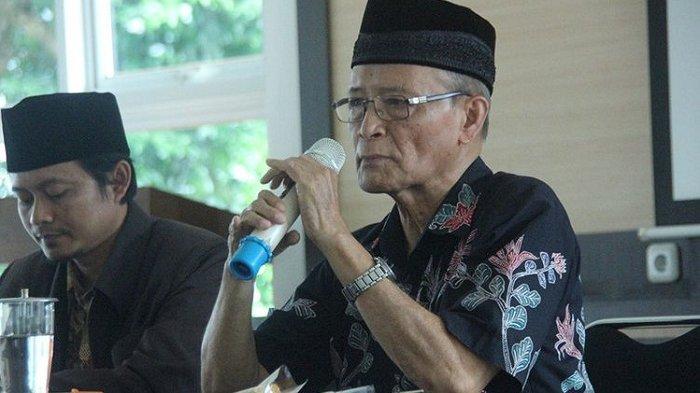 MANTAN Ketua PP Muhammadiyah, Ahmad Buya Syafii Maarif atau akrab disapa Buya Syafii, menjadi pembicara dalam kegiatan sarasehan kebangsaan di Gereja St Ignatius, Kota Magelang, Jawa Tengah, Rabu (25/4/2018).