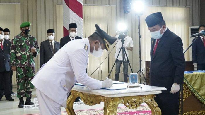Gubernur Jambi Al Haris Resmi Lantik Mashuri Sebagai Bupati Merangin