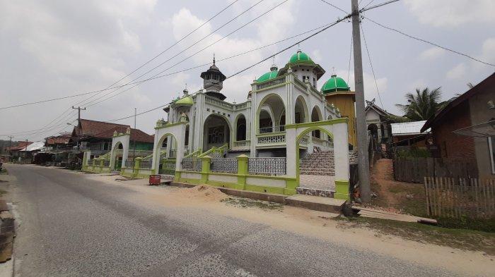 WIKIJAMBI - Masjid Al-Falah Tertua di Kabupaten Bungo, Dibangun Sejak 1812 dan Penuh Filosofi