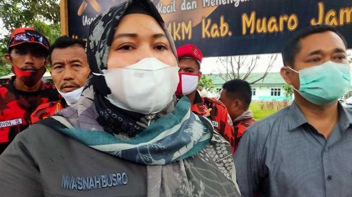 Bupati Muarojambi Masnah Busro Ancam Tak Beri Tunjangan ASN yang Belum Divaksin