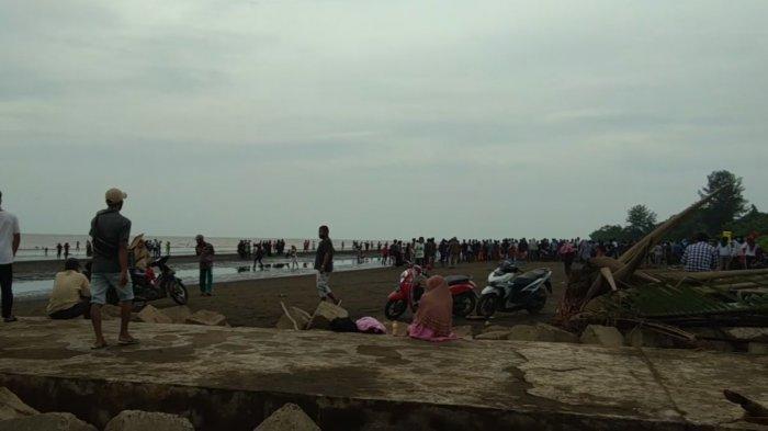 Festival Mandi Safar di Tanjabtim Tahun Ini Ditiadakan, Warga Tetap Hadir ke Pantai Babussalam