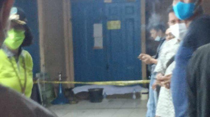 BREAKING NEWS Warga Pasar Kota Jambi Heboh Temukan Mayat di Lantai 2 Istana Anak-anak