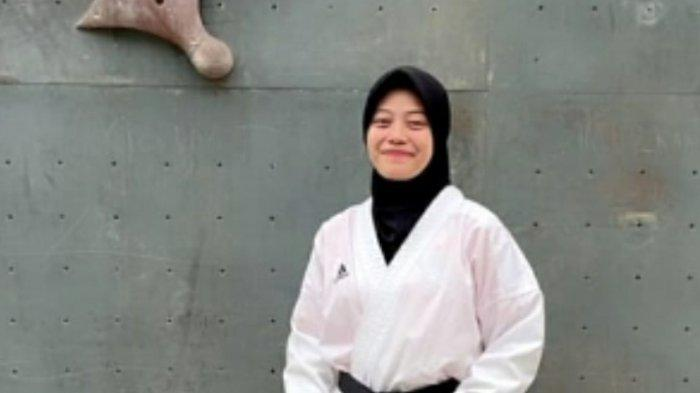 Atlet Karate Cantik di Jambi Membiayai Kebutuhan Sehari-hari dan Biaya Kampus Sendiri
