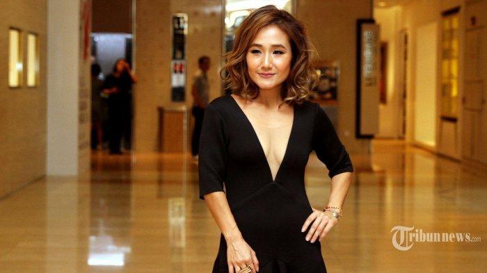 Aktris Cantik yang Juga Penyiar Ini Idamkan Jadi Penjahat