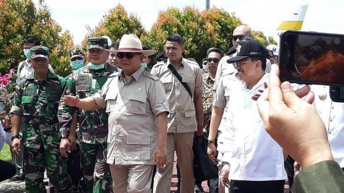 Tidak Takut, Menhan Prabowo Tidak Kenakan Masker Saat Kunjungi Natuna Bersama Menkes Terawan