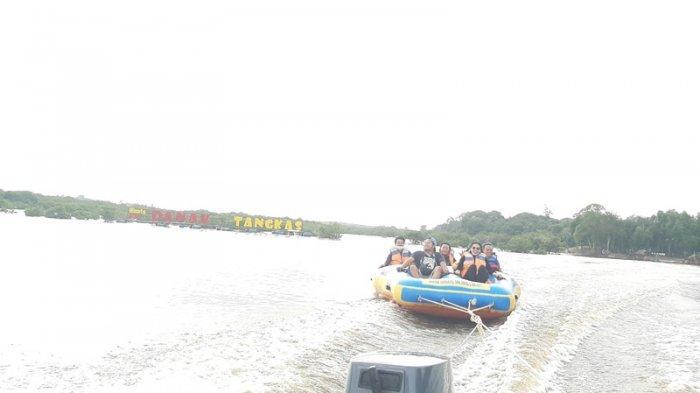 Plesiran ke Objek Wisata Danau Tangkas di Sekernan, Muarojambi, Lorong Perawan Spot Paling Eksotis