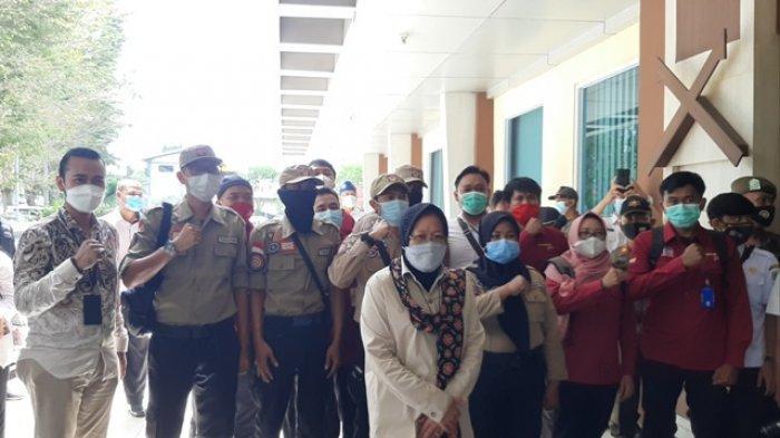 BREAKING NEWS Mensos Tri Rismaharini Tiba di Jambi, Langsung Bertolak ke Batanghari