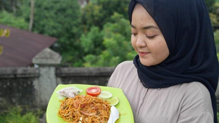 UMKM Kuliner Mie Aceh di Kota Jambi Ini Mampu Menjual 90 Porsi per Hari Secara Online