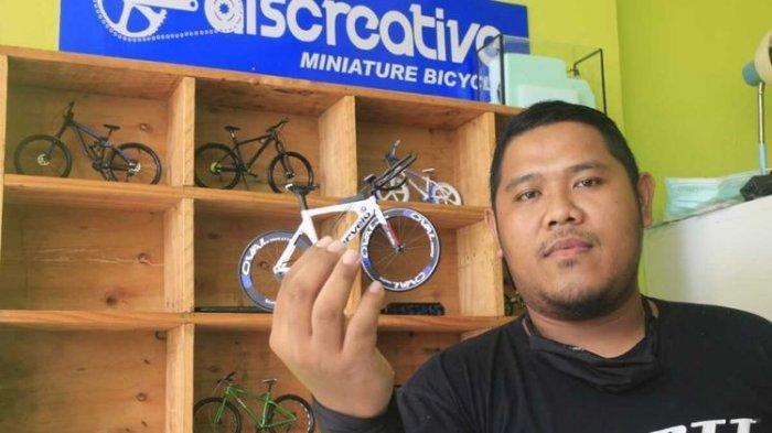Miniatur Sepeda Buatan Pemuda Karawang Ini Mendua, Pebalap Alex Marquez Pun Ikut Memesan