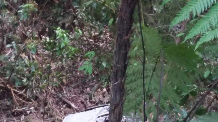 Terjun ke Jurang, Mobil Terbakar di Jalur Sungai Penuh-Tapan. Ada 3 Penumpang di Dalamnya