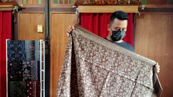Batik Jambi 'Zhorif' Penuhi Kebutuhan Pasar Meski Sulitnya Dapatkan Bahan Alami