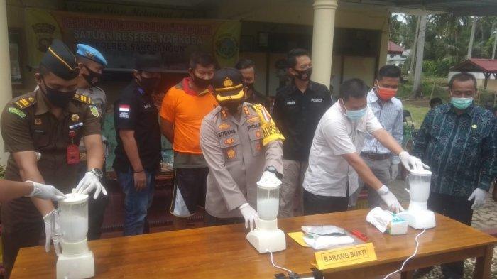 Sabu Seberat 1 Kg Punya Ahmad Ridwan yang Disimpan di Poskamling Dimusnahkan
