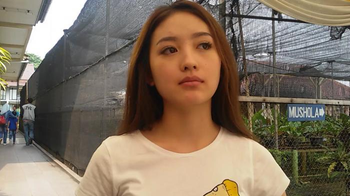 Pose Bareng Fero Walandouw, Wajah Bantal Natasha Wilona Saat Menikmati Malam Mingguan Disorot!