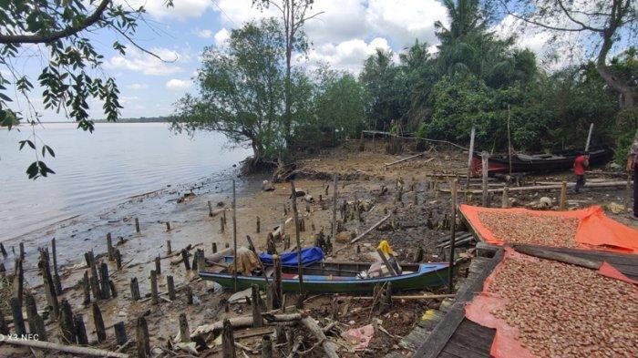 Cuaca Ekstrem, Para Nelayan di Tanjab Timur Andalkan Aplikasi GPS di Ponsel