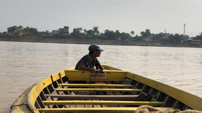 Menengok Ojek Perahu Ketek yang Menghubungkan Pasar Jambi dan Seberang Kota Jambi