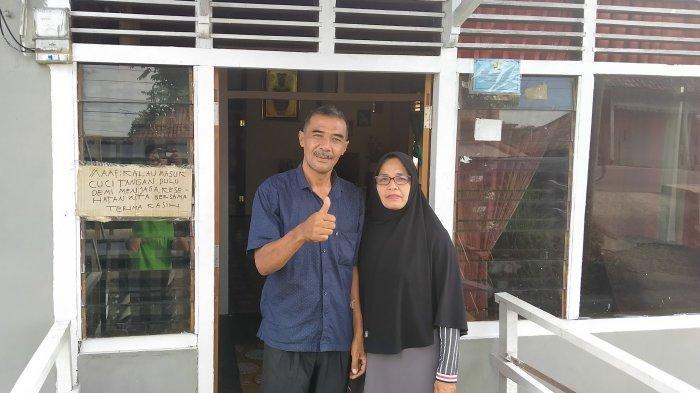 Burhanudin (49) ayahanda Hari dan Ratu Mas Fatmawati (47) ibunda Hari, yang ditemui oleh Tribunjambi.com di kediamannya di kawasan Tanjung Raden, Danau Teluk, Seberang Kota Jambi.