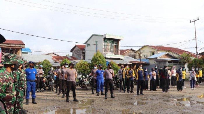 Pada hari Jumat, 18 Desember 2020 diadakan Kegiatan Gotong royong bersama Pemda/ Forkopimda, Kepolisian dan Masyarakat di Pasar Parit 1 Kel. Tungkal Harapan Kec. Tungkal Ilir Kab. Tanjab Barat.