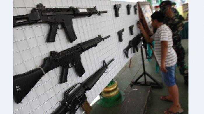 Ilustrasi senjata - Pameran senjata di Korem 042/Garuda Putih.