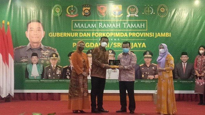 Gubernur Jambi Al Haris Ajak Pangdam II/Sriwijaya Susuri Sungai Batanghari Jika ke Jambi