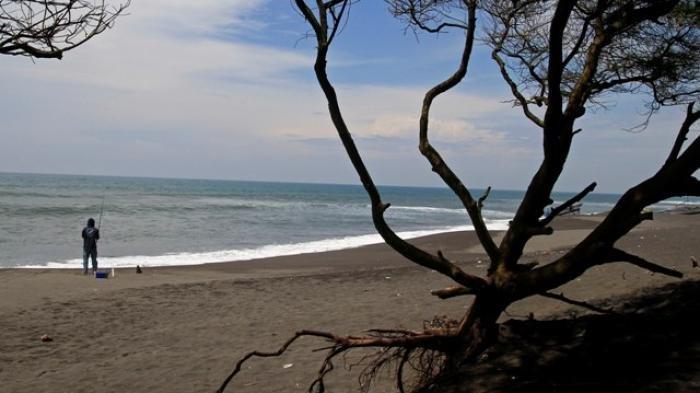 Sedang Liburan, Tujuh Wisatawan Terseret Ombak di Pantai Goa Cemara Bantul, Lima Orang Masih Hilang