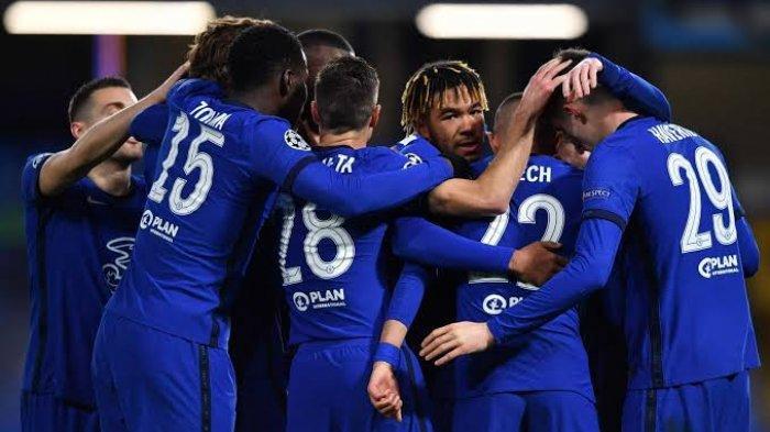 Para pemain Chelsea melakukan selebrasi usai mencetak gol ke gawang Atletico Madrid di laga Liga Champions.