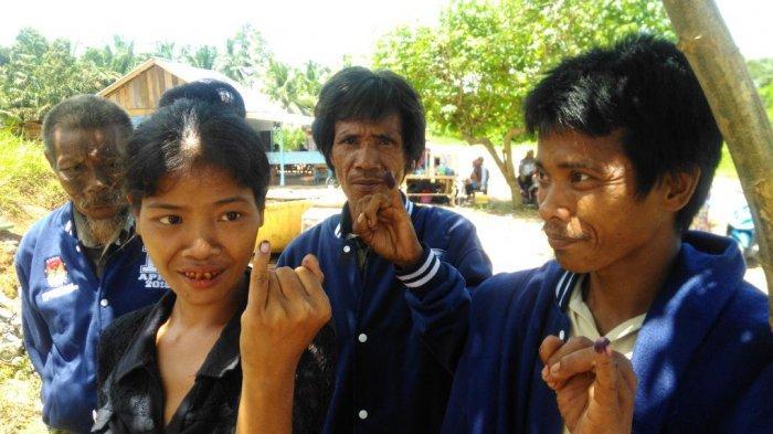 10 Keluarga Dapat KK, PT LAJ Gandeng Disdukcapil Tebo Rekam Data e-KTP Warga Suku Anak Dalam