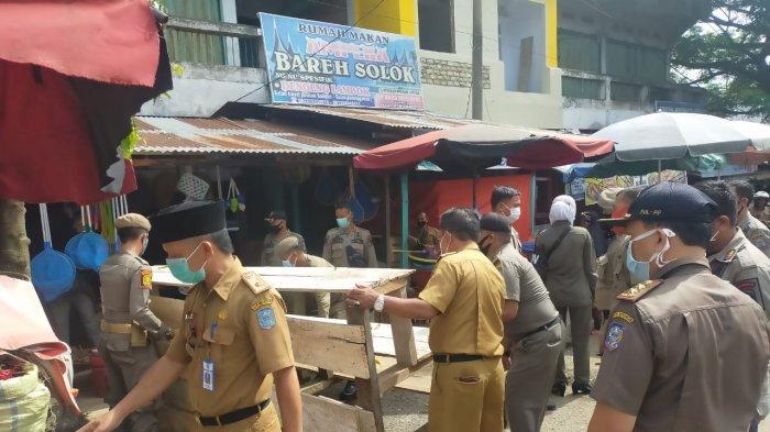 Jelang Ramadhan, Lapak PKL di Pasar Baru Bangko Kembali Dibongkar
