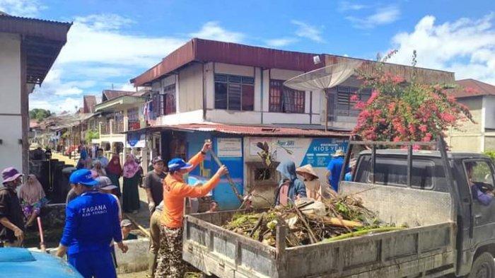 Pasca Banjir Pemkab Kerinci Gotong Royong Bersama Masyarakat Tiga Desa