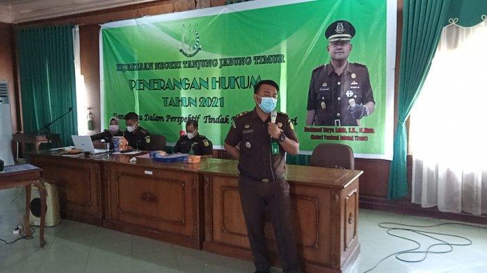 Belajar dari Kasus Korupsi DD Kades Sungai Tering, Kejari Tatar Hukum Para Kades di 6 Kecamatan Ini
