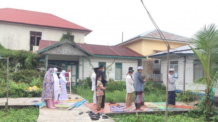 Pasien Covid-19 Tanjabbar Laksanakan Shalat Idul Fitri Berjamaah