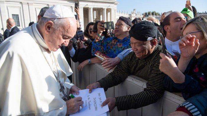 Pesan Natal 2020 Paus Fransiskus, Hentikan 'Gosip' yang Picu Konflik