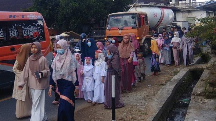 Sambut Ramadan dengan Pawai Keliling Kampung, Peserta Berpakaian Muslim Terbaik Dapat Hadiah