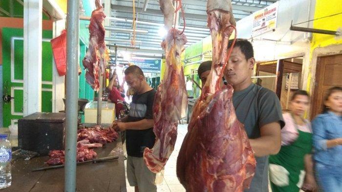 Harga Kebutuhan Pokok di Pasar Angso Duo Hari Ini, Daging Sapi Rp 120 Ribu Daging Ayam Stabil