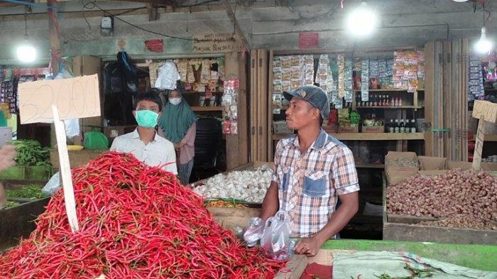Pembeli dan Pedagang di Pasar Atas Sarolangun Cuek Tak Pakai Masker Saat Wakil Bupati Sidak ke Pasar