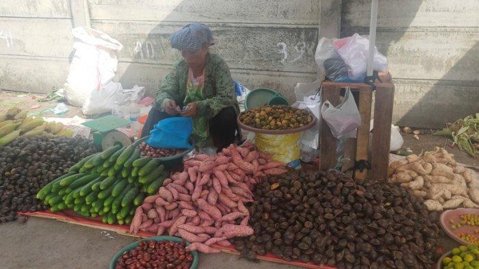Harga Jengkol Murah, Warga Jambi Borong untuk Dijual Kembali