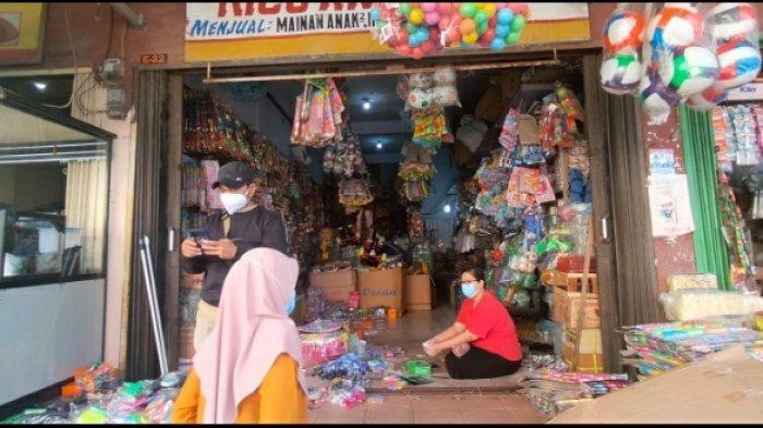 Pedagang Mainan yang Didenda 1 Juta Mengeluh Satgas Covid Tebang Pilih, yang Lain Cuma Diperingatkan