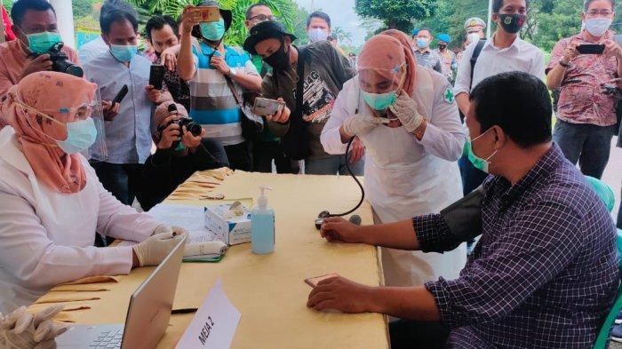 Selain Bupati Tanjabtim, Ini Beberapa Pejabat yang Disuntik Vaksin Hari Ini