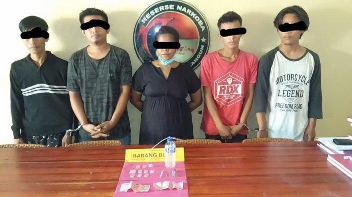 Ibu Rumah Tangga di Sarolangun Dibekuk Polisi Bersama 4 Pria di Kontrakan