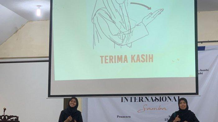 Puluhan Orang Ikuti Pelatihan Bahasa Isyarat Dasar Oleh Teman Tuli