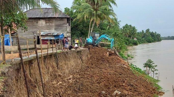 Pastikan Pembangunan Turap Selesai,Sukandar Minta Pemprov Turun ke Lapangan