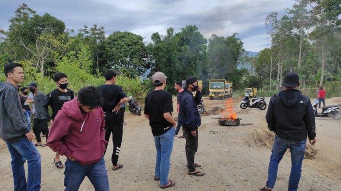 BREAKING NEWS Demo Pekerjaan Bandara, Jalan Kerinci Bangko Macet Total