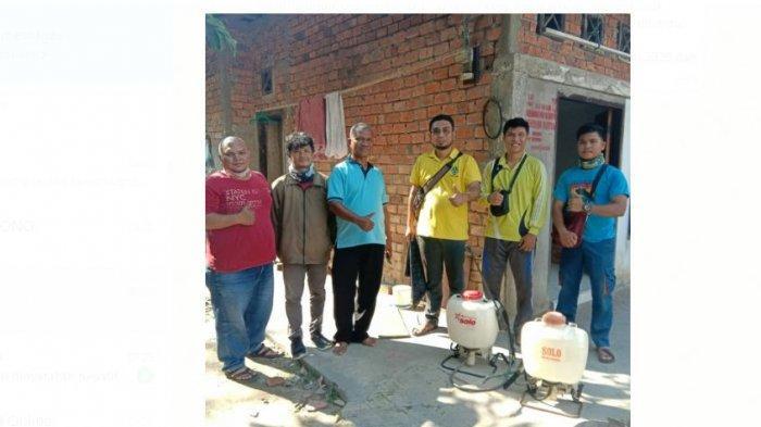 Pemuda Katolik Jambi Beraksi, Semprot Disinfektan ke 50 Rumah Warga Membutuhkan