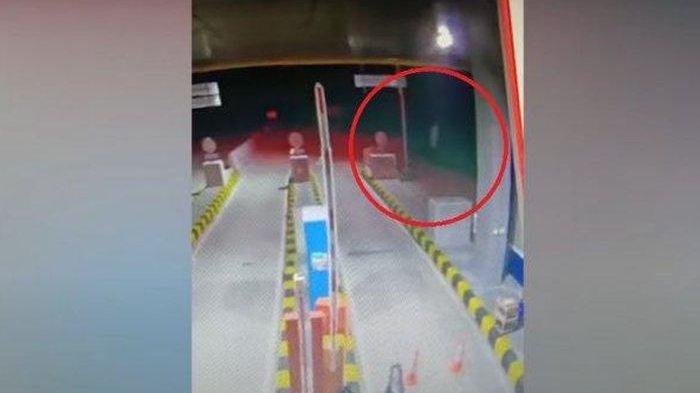 POCONG Terekam CCTV Jalan Tol dan Jadi Viral di Sosmed hingga Buat Petugas Jaga Ketakutan