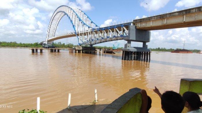 Jembatan Muara Sabak Diserempet Tongkang CPO Muatan 4.000 Ton, Ini Insiden Kesekian Kalinya