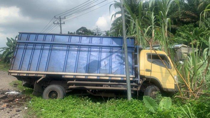 Kecelakaan Batanghari, Dua Truk Mitsubishi Tabrakan di Jalan Lintas Jambi-Muara Bulian